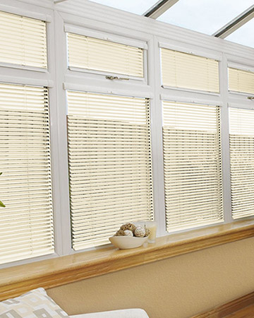 Neat Fit Cream Aluminium Venetian Blinds